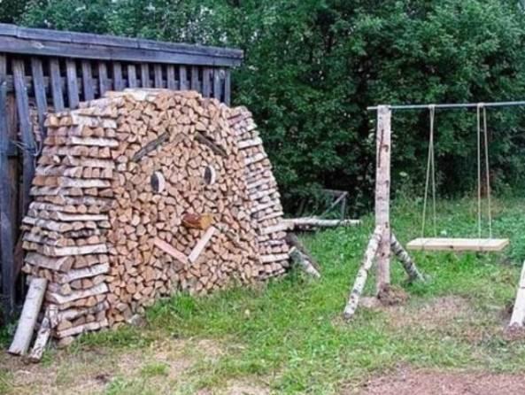 укладка штабелем дров