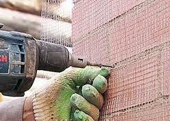 Крепление сетки на плоскость камина